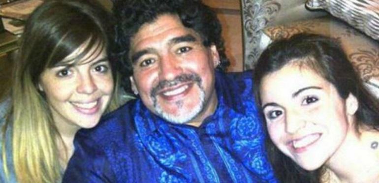 ¡Una perlita! Gianinna y Dalma Maradona recordaron a Diego con una divertida foto de su infancia