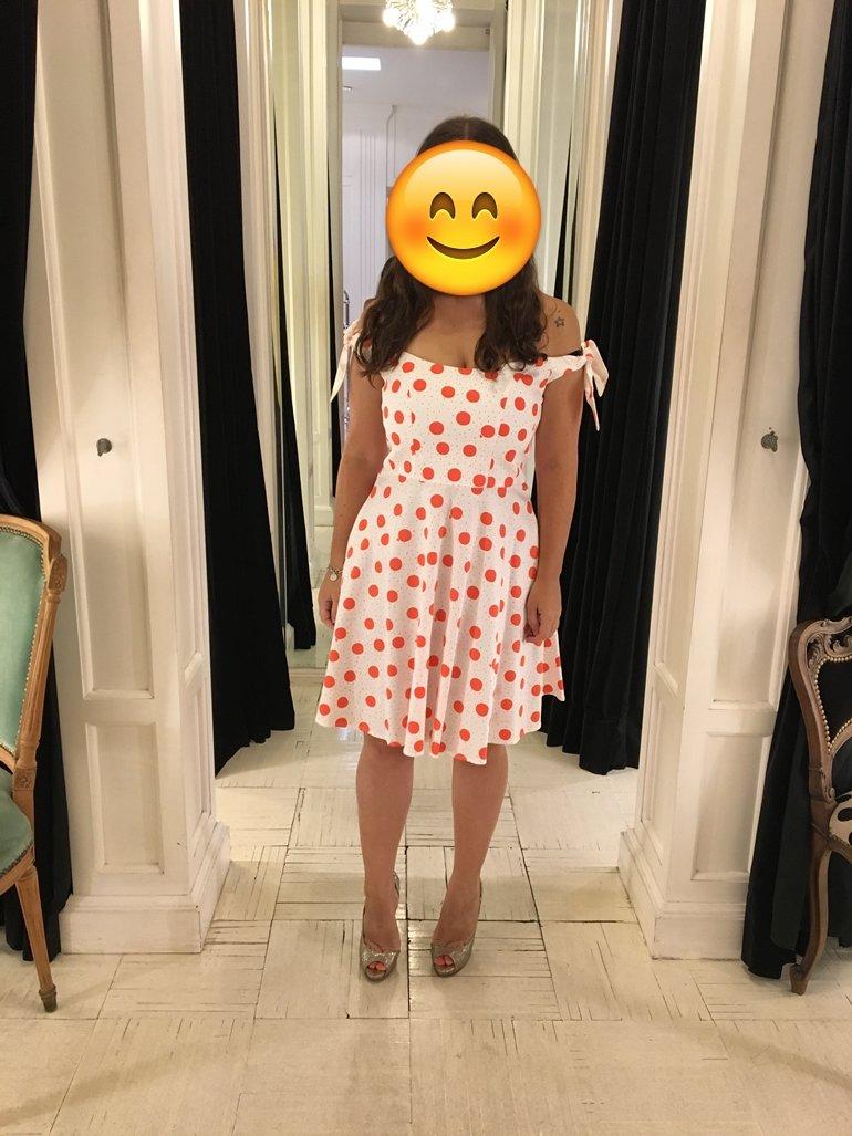 118221c81 Tatiana  El vestido era talle L y me quedó bien (sólo tienen hasta una  medida más grande que esa). Pero no era del todo cómodo ya que era un poco  difícil ...