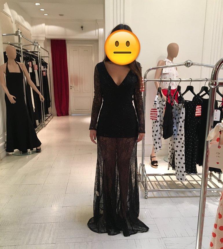 d44d483d0 Juana  Ponerme este vestido fue probablemente de las cosas más difíciles  que tuve que hacer en mi vida. El forro que lleva abajo es un enterito