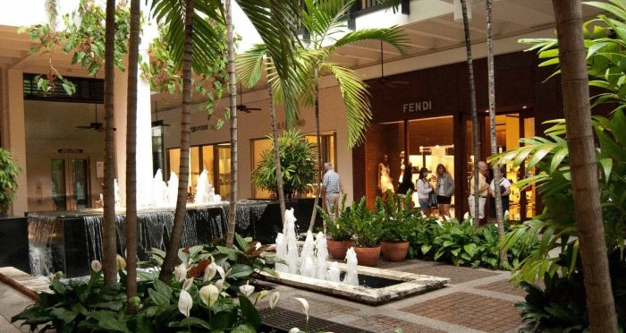 bal-harbour-interior-tropical-fountains-luxury-retail-124