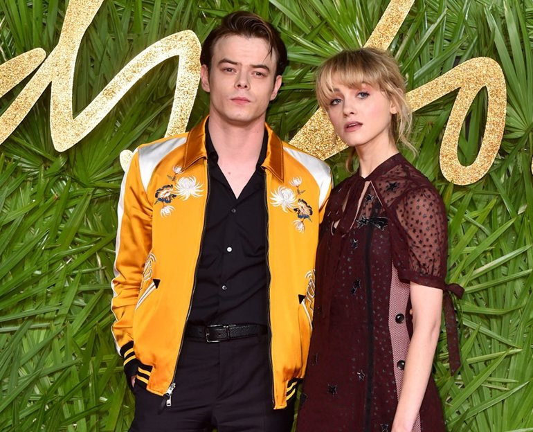 Charlie-Heaton-Natalia-Dyer-Stranger-Things-The-Fashion-Awards-2017-Red-Carpet-Coach-Tom-Lorenzo-Site-1