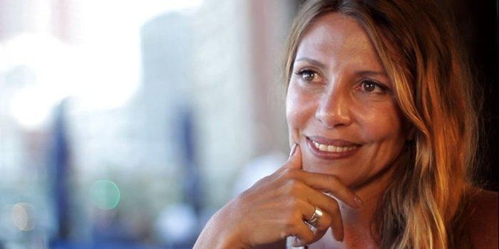 Monica Ayos Biografía de Wikipedia