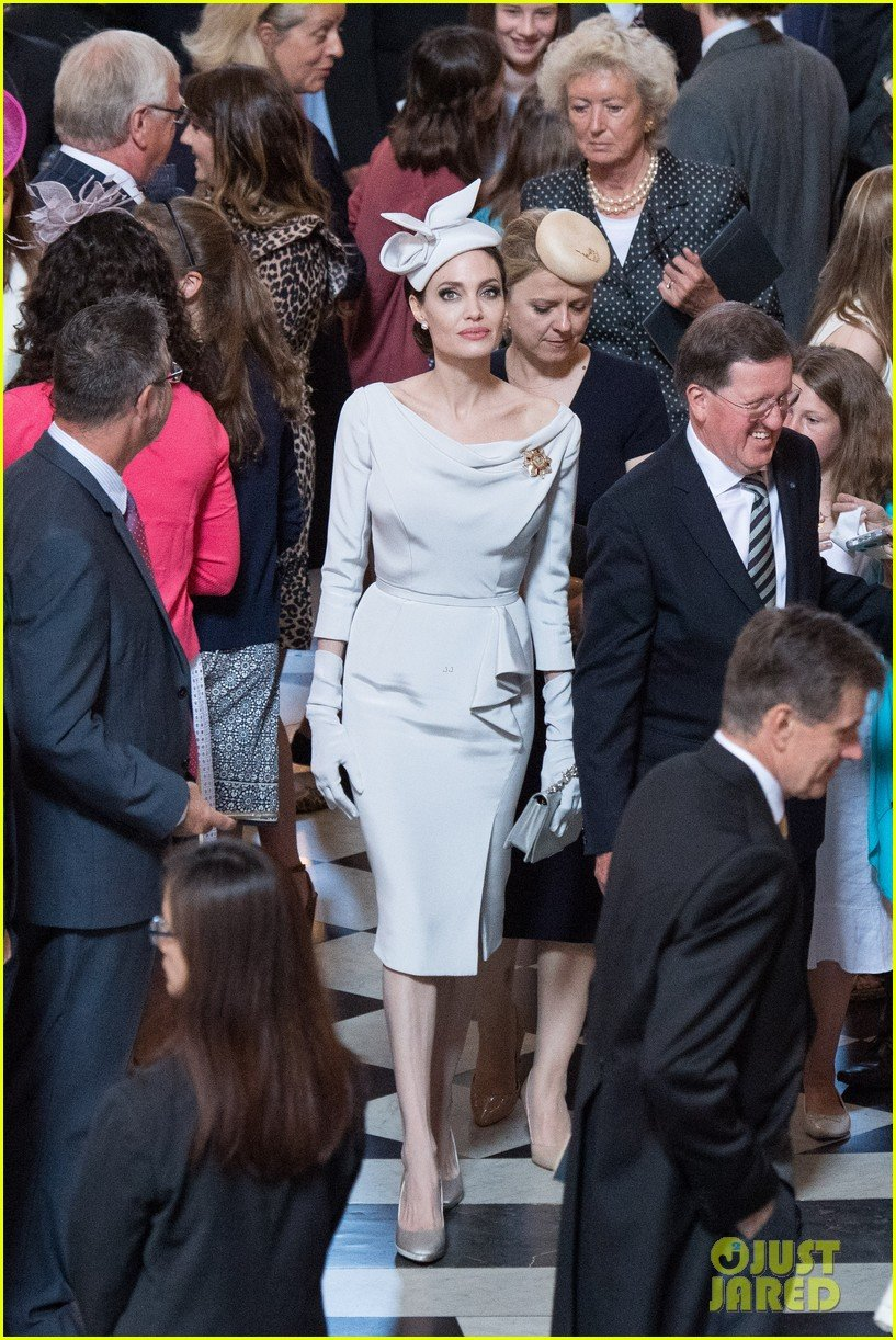 angelina-jolie-service-of-commemoration-dedication-11