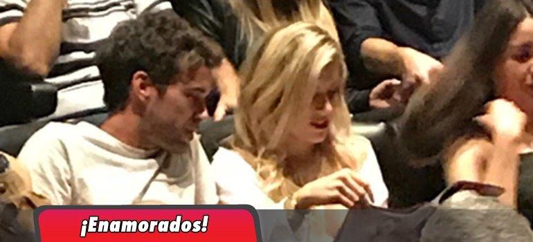 Laurita Fernández y Nicolás Cabré fueron a ver a Flor Peña al teatro