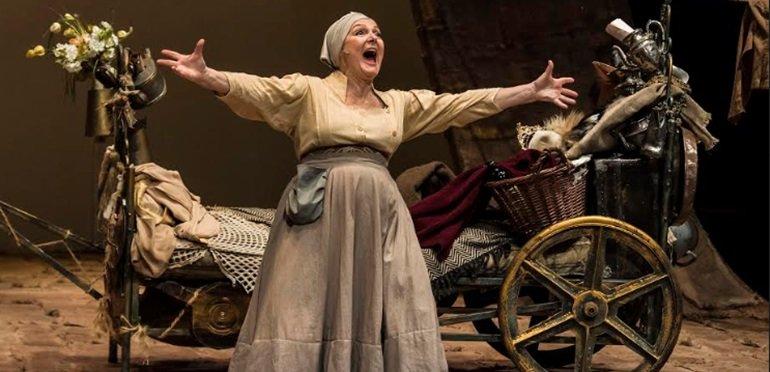 """Claudia Lapacó vuelve al teatro con """"Madre coraje"""""""