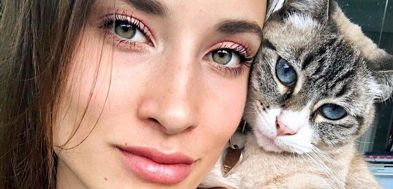 El gato de Camila Cavallo y Mariano Martinez se agarró con un perro