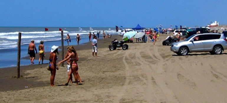 Prohiben fumar en las playas de Pinamar - Revista Pronto