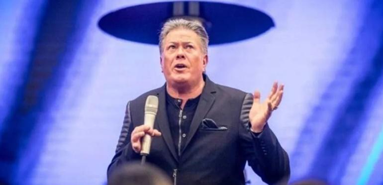 Pastor asegura que los fieles que paguen el diezmo no contraerán coronavirus